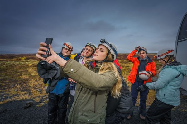 iceland student group selfie lava cave header