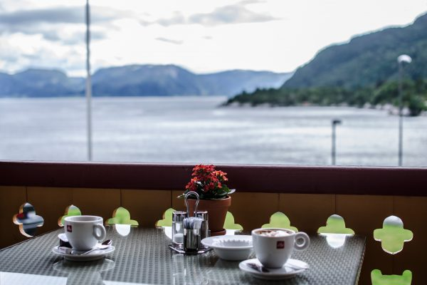 norway fjords lavik hotel coffee cups lfh