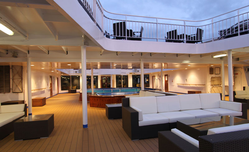 ocean endeavour pool deck