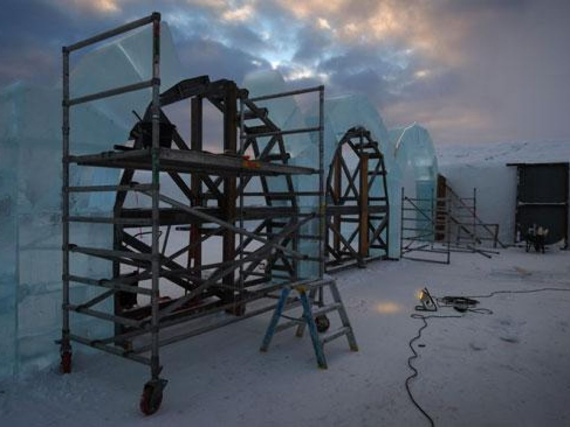 Icehotel arches contruction exterior