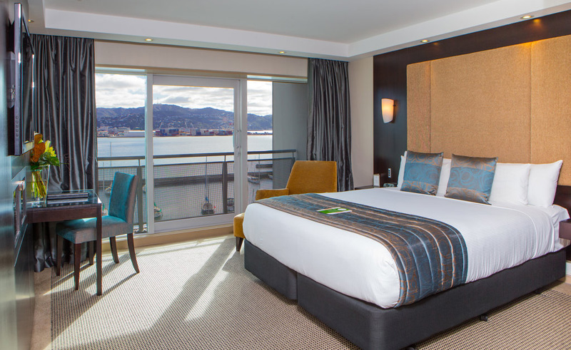 copthorne oriental bay wellington deluxe harbourview room