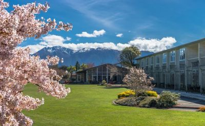 distinction te anau hotel and villas exterior