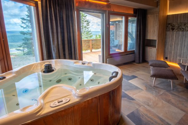 finnish lapland iso syote bear cave suite jacuzzi