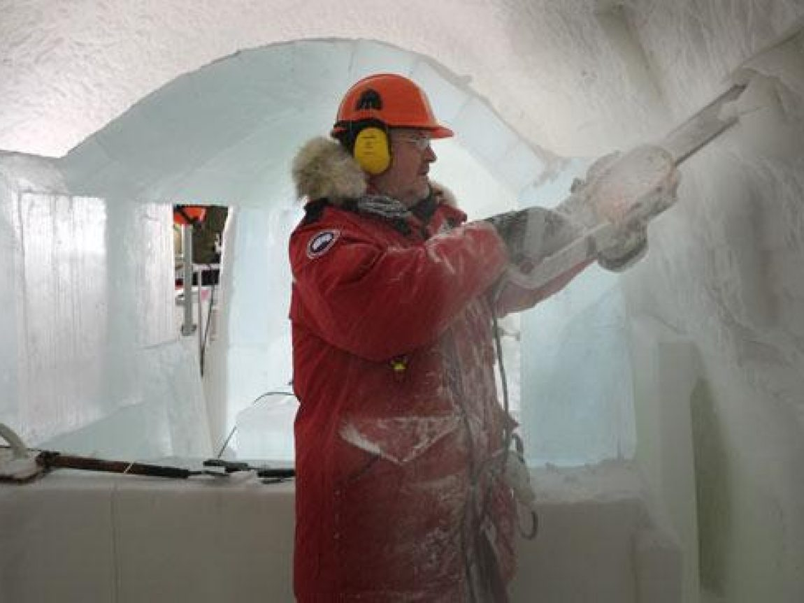 icehotel mind the gap tube chainsaw