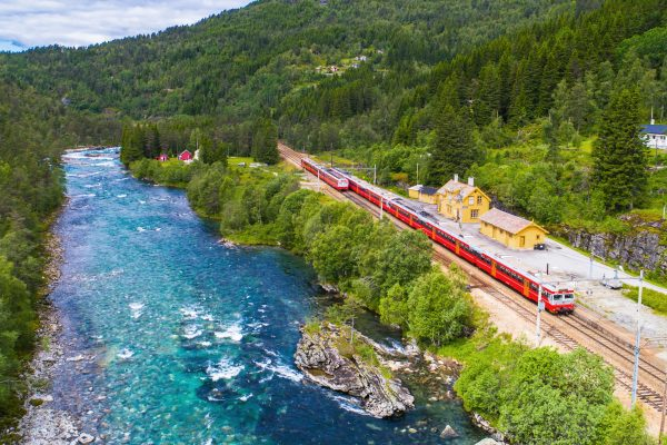norway bergen to oslo railway summer istk