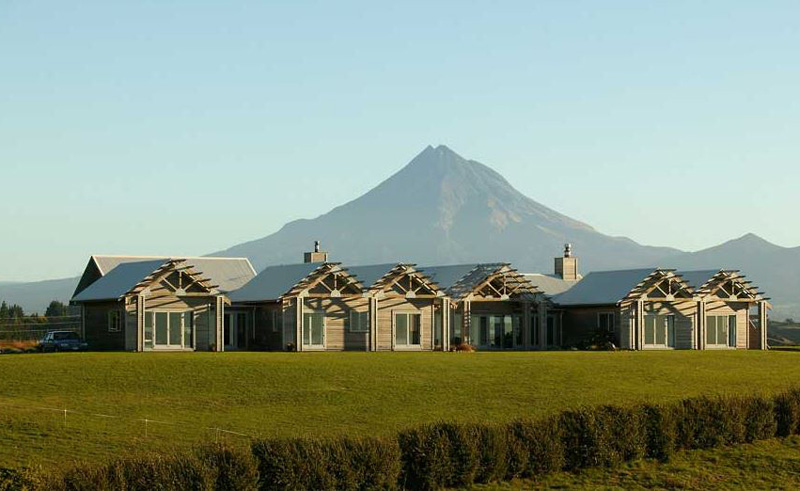taranaki country lodge exterior