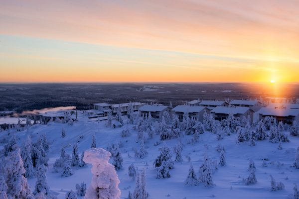 finnish lapland iso syote fjelltop accommodation sunset