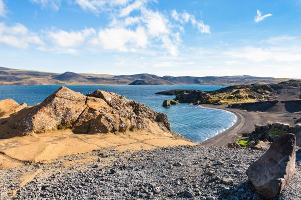 iceland south west kleifarvatn lake summer view istk