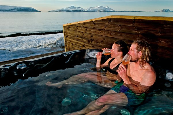norway northern lyngen experience hottub