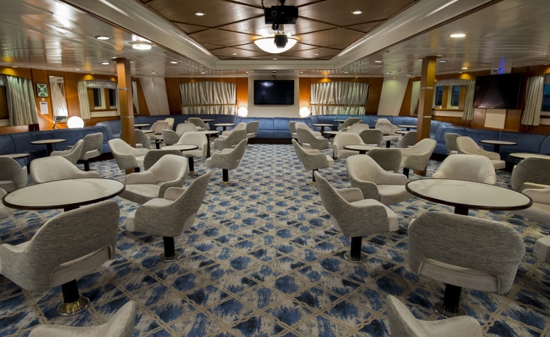 ocean adventurer main lounge
