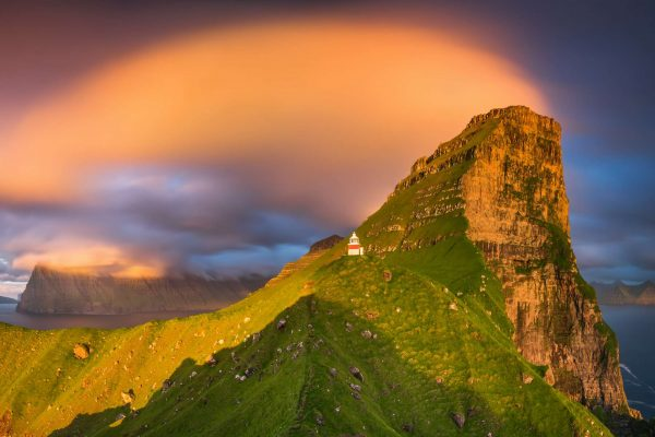 faroe islands kalsoy kallur lighthouse kallurin cloud istk