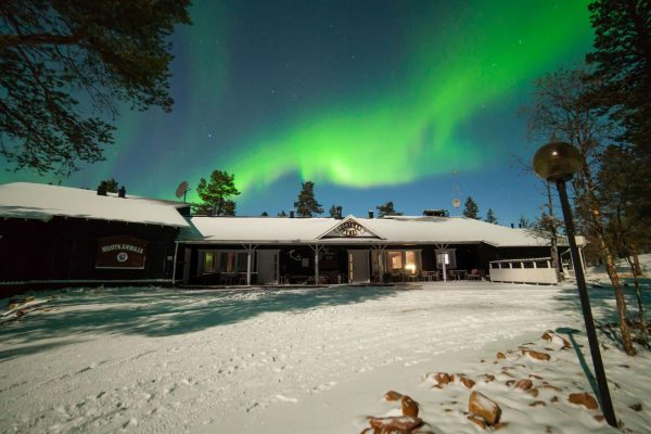 finland lapland aurora sky muotka wilderness lodge
