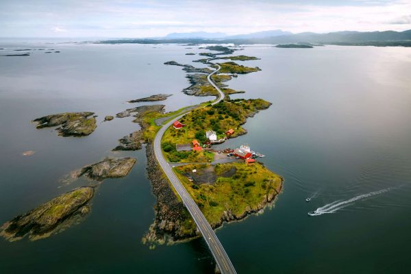 norway storseisundet bridge atlantic road istk