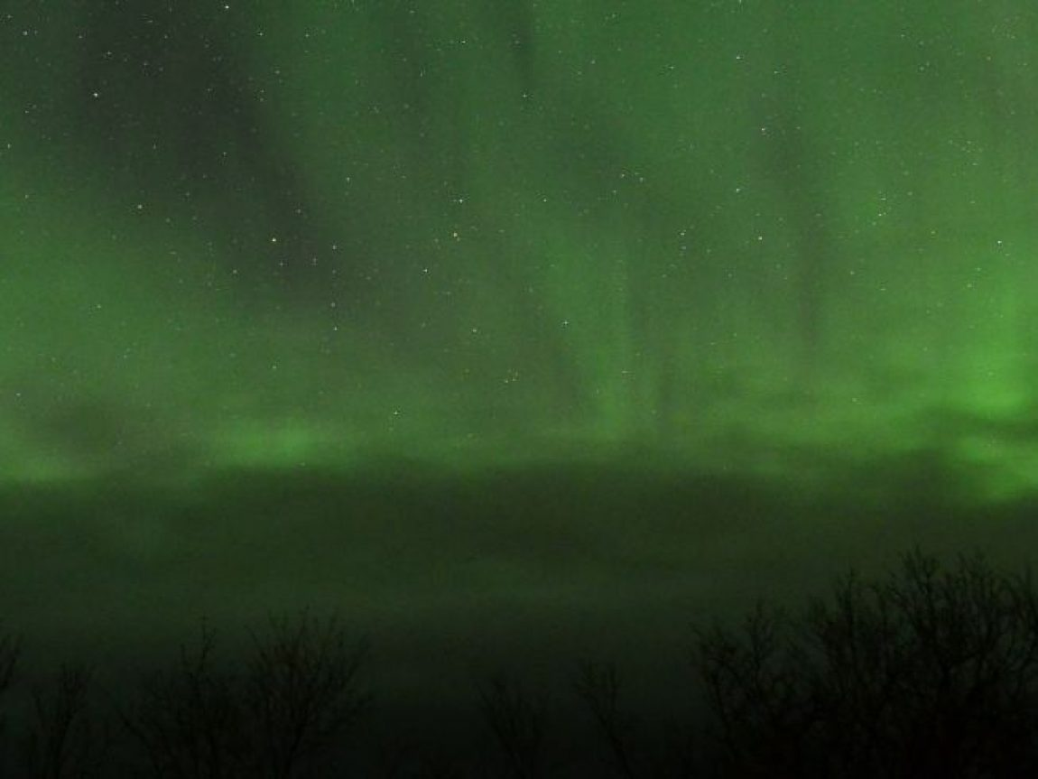aurora over abisko nov18