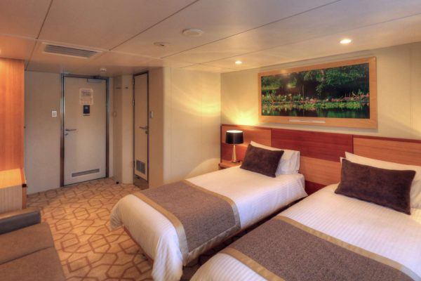 coral discoverer ship main deck twin cabin 2