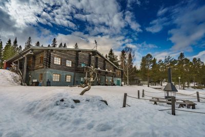 swedish lapland brandonw lodge exterior winter rth