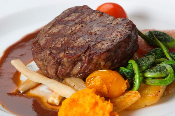 newfoundland neddies harbour inn restaurant beef tenderloin