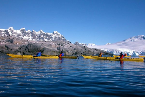 antarctica peninsula sea kayaking ooe