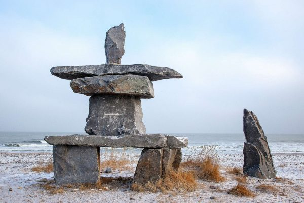 manitoba churchill inuksuk on tundra istk
