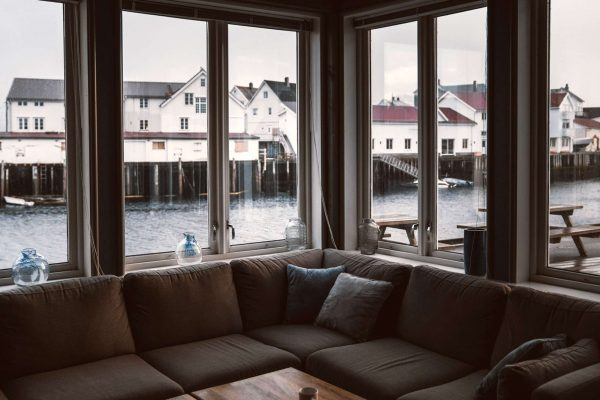 northern henningsvaer brygge lounge view
