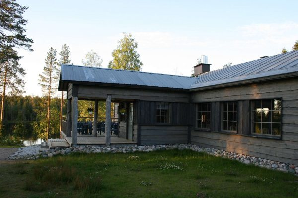 eastern finland wild brown bear guesthouse