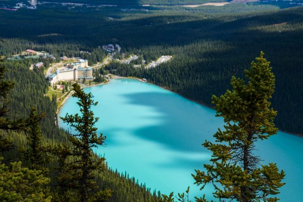 alberta fairmont chateau lake louise hotel from the beehive istk