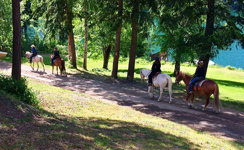 british columbia tyax lodge horse riding