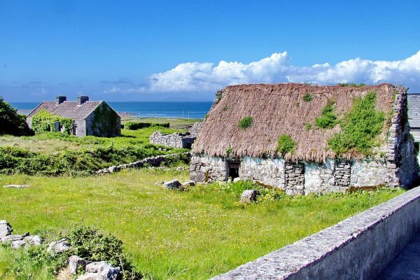 ireland cottages inishmore aran islands istk
