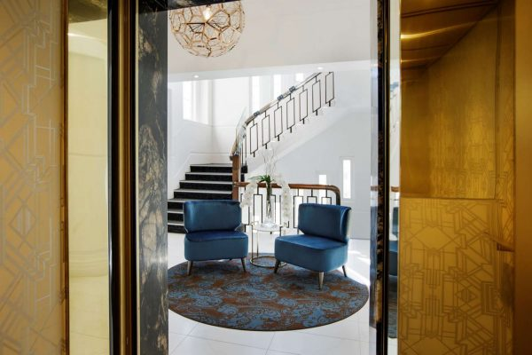 auckland hotel grand windsor lift view of staircase
