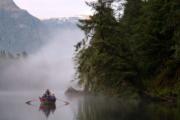 british columbia great bear lodge morning mist boat trip