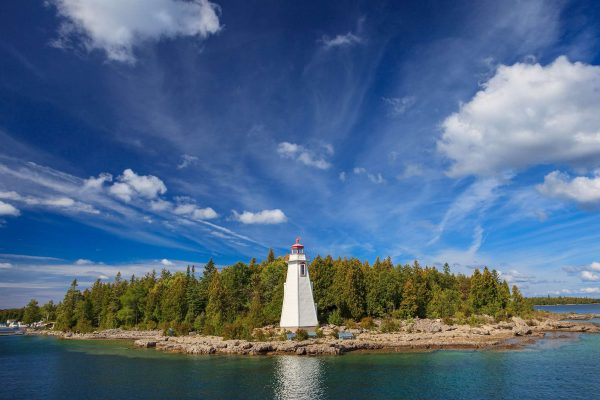 ontario big tub lighthouse bruce peninsula tobermory istk