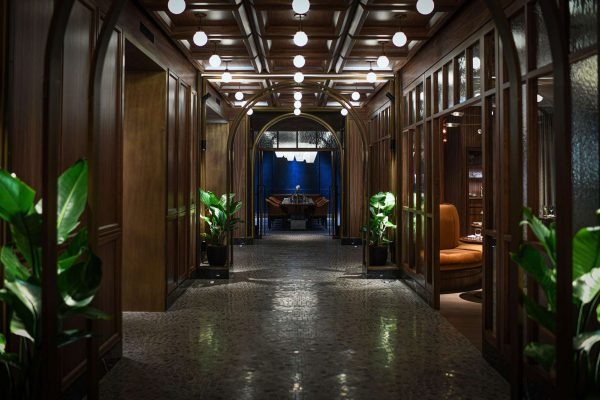 ontario fairmont royal york toronto emtrance to reign