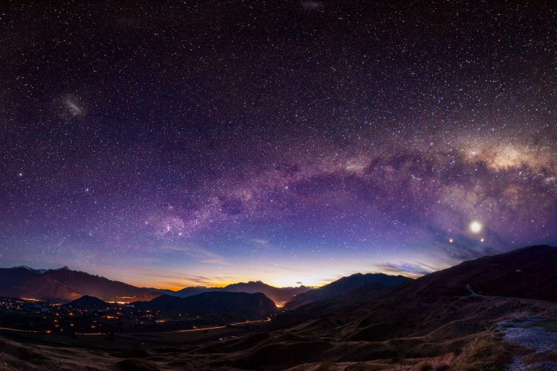 new zealand milky way above queenstown istk