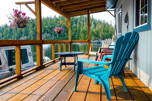 farewell harbour lodge deck