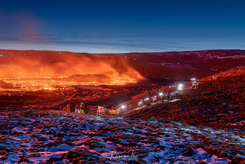 iceland tourists viewing fagradalsfjall eruption apr21 by rth sigurdsson